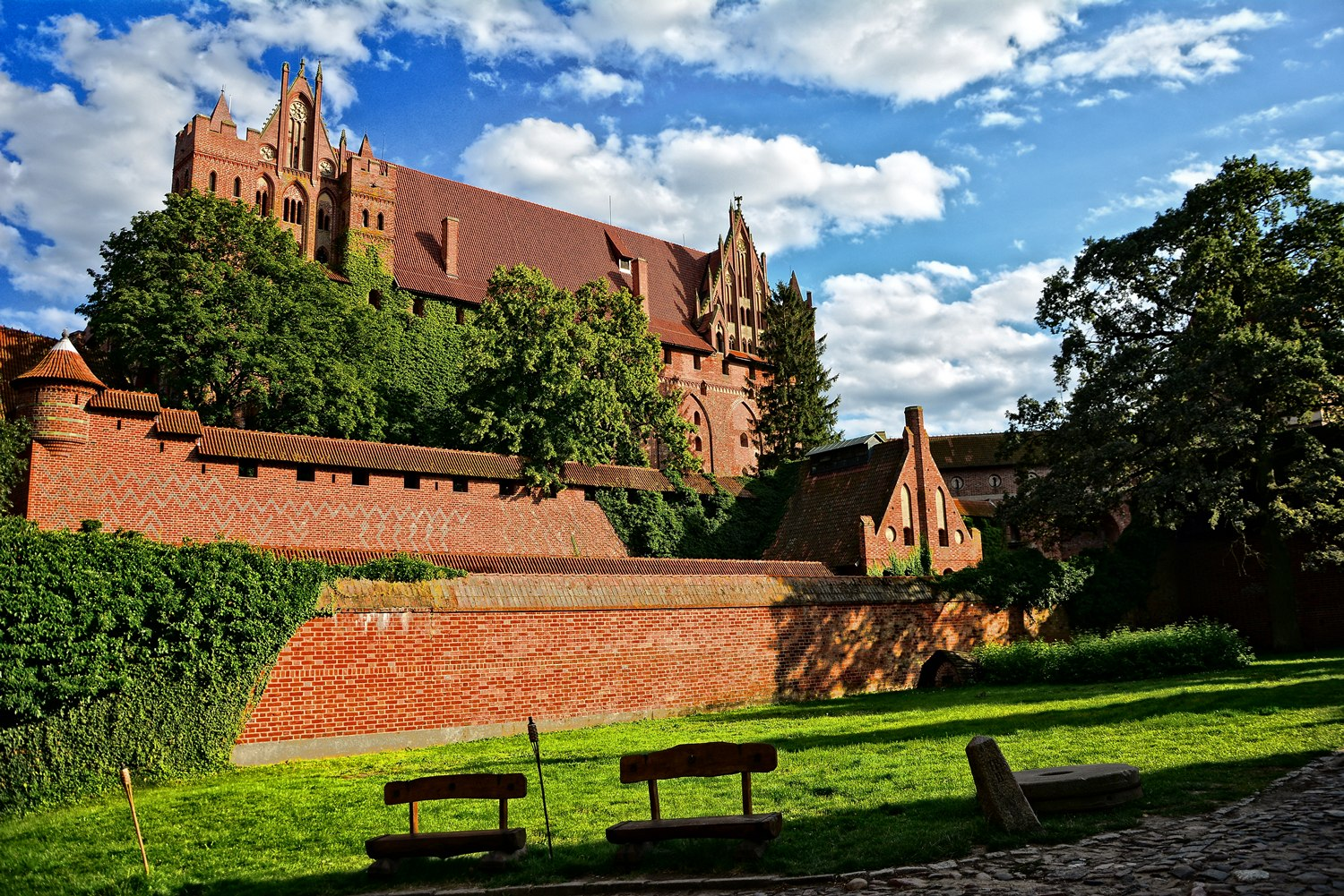 castles in poland malbork castle what to see in poland interesting places in poland