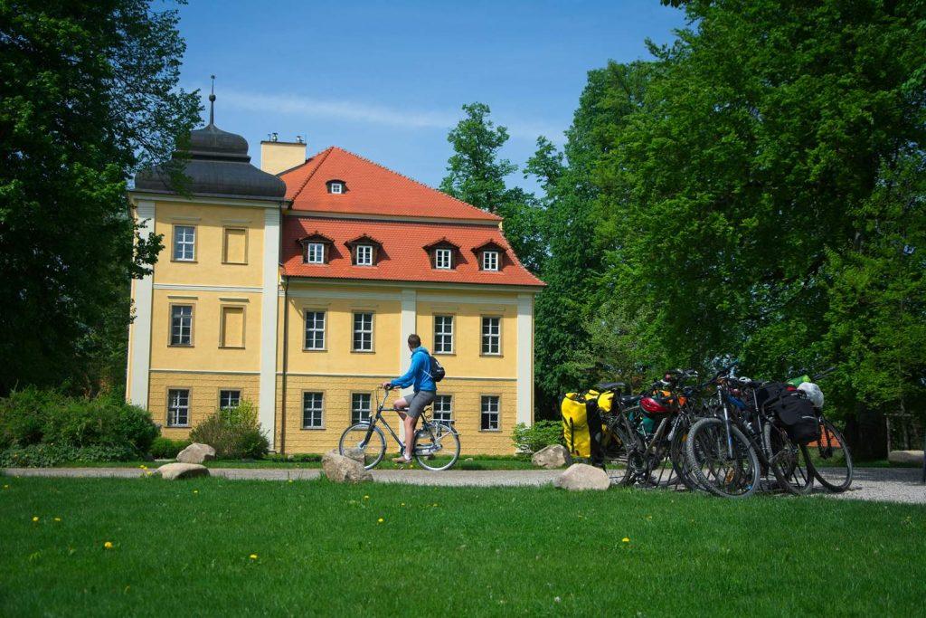 palac w lomnicy palace lomnitz Niederschlesien polen poland ne day trip from wroclaw