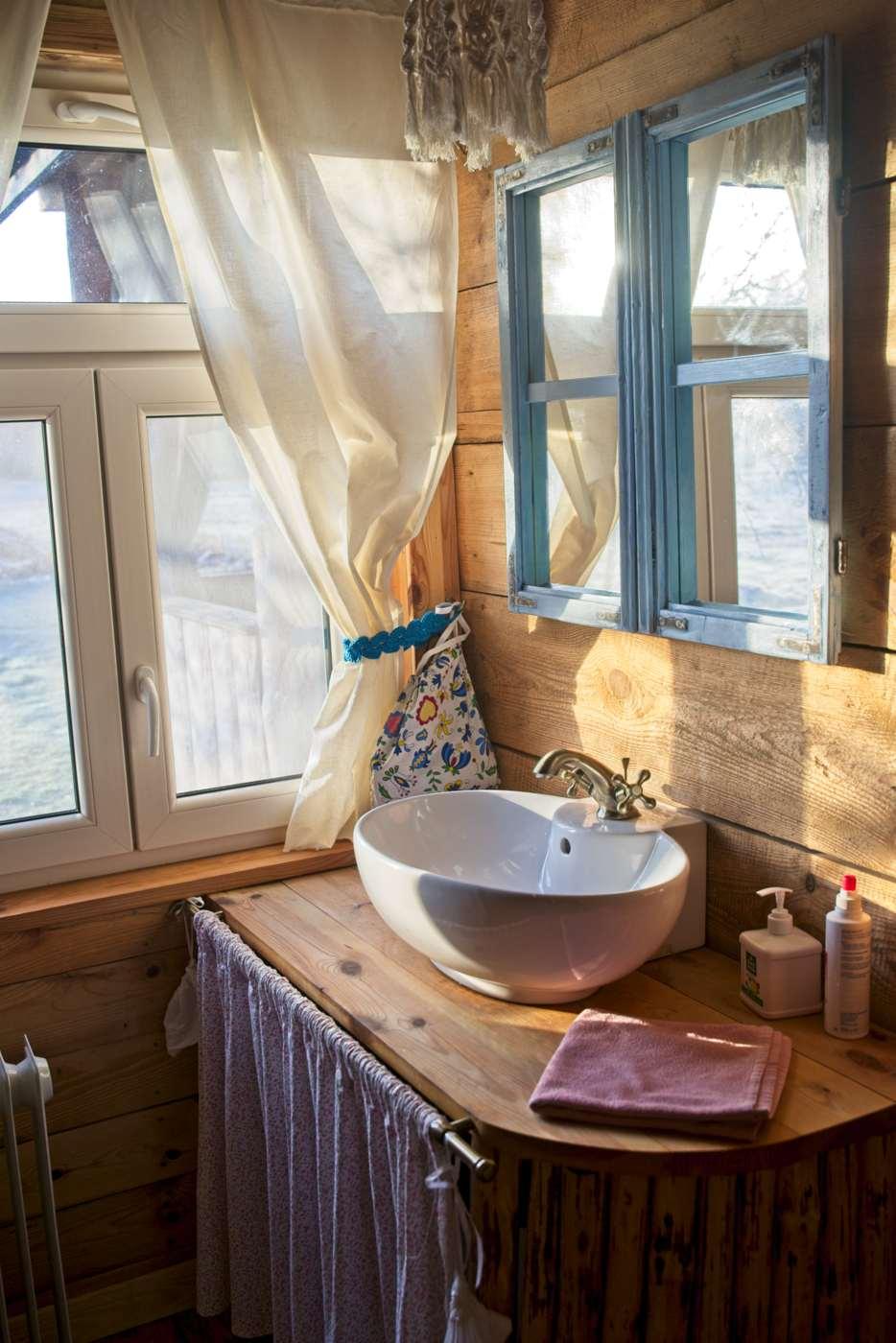 hut near warsaw in forest rental accommodation